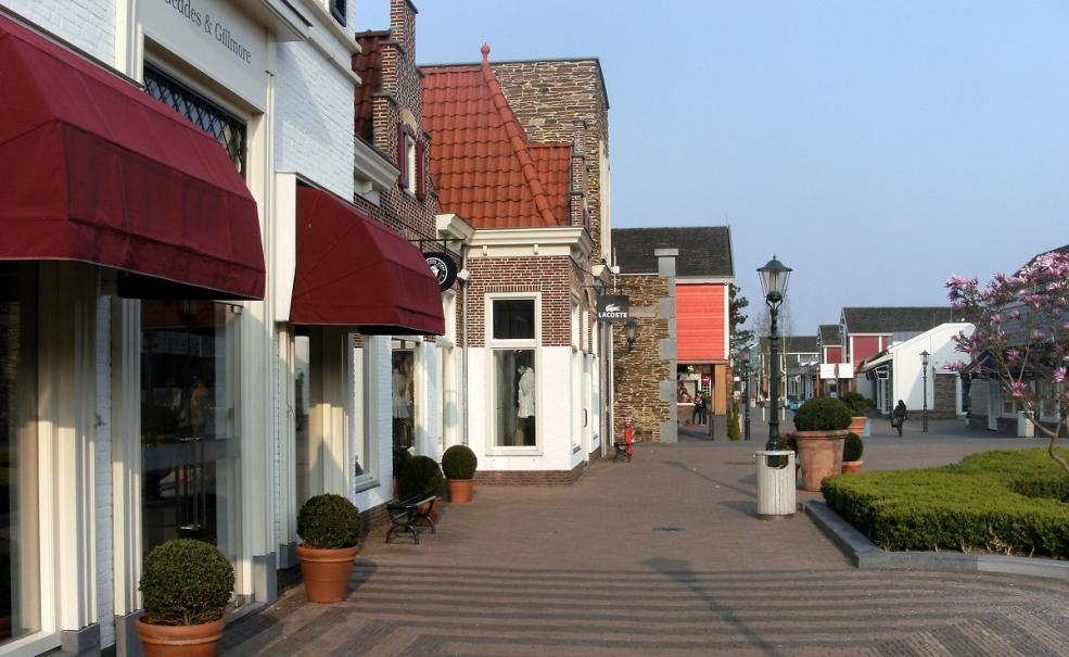 46b64c95413 Small Group Full Day Trip to Giethoorn & Outlet Shopping Centre Batavia Stad